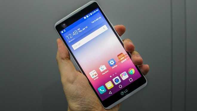 'San' smartphone duoi 5 trieu choi Tet hinh anh 7