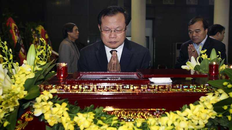 30 Tet, roi nuoc mat tien dua GS Dinh Xuan Lam hinh anh 5