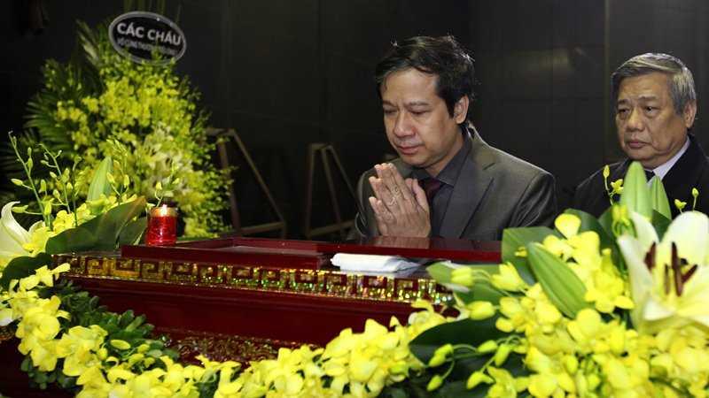 30 Tet, roi nuoc mat tien dua GS Dinh Xuan Lam hinh anh 8