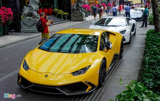 Cuong Do La va dan dai gia Sai Gon choi Tet bang Lamborghini hinh anh 1