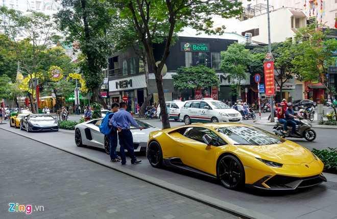Cuong Do La va dan dai gia Sai Gon choi Tet bang Lamborghini hinh anh 2