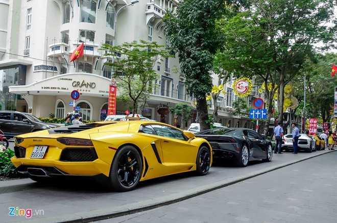 Cuong Do La va dan dai gia Sai Gon choi Tet bang Lamborghini hinh anh 3