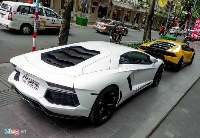Cuong Do La va dan dai gia Sai Gon choi Tet bang Lamborghini hinh anh 6