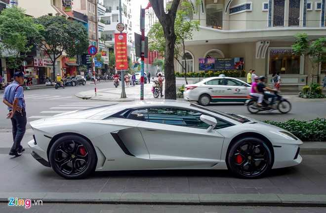 Cuong Do La va dan dai gia Sai Gon choi Tet bang Lamborghini hinh anh 8