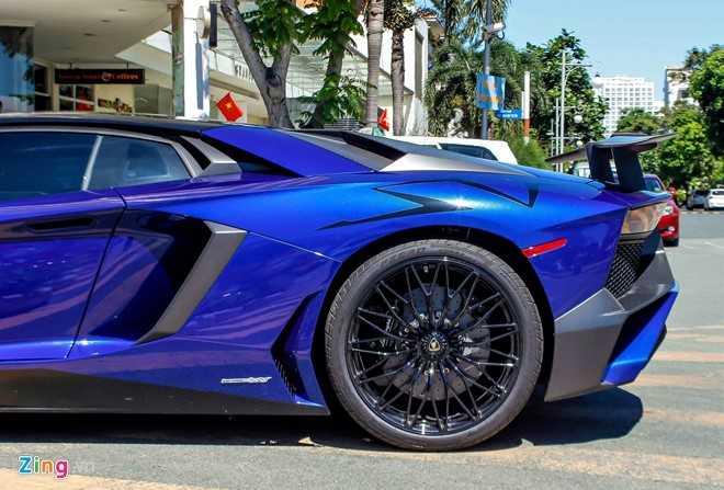 Minh Nhua dao pho Sai Gon bang sieu xe Lamborghini Aventador 35 ty hinh anh 6
