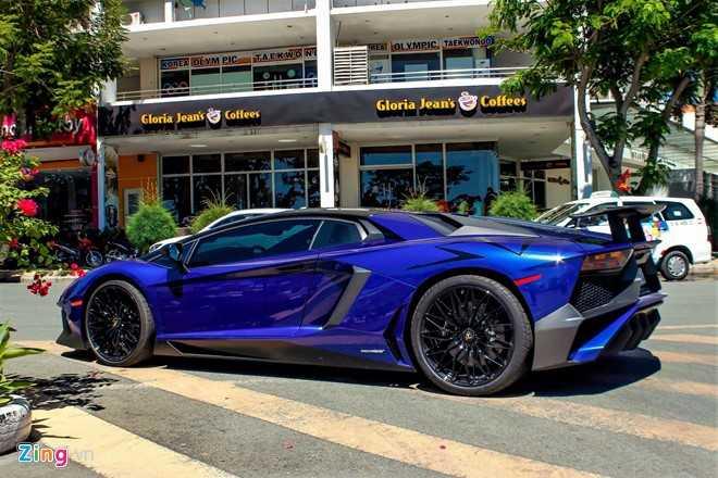 Minh Nhua dao pho Sai Gon bang sieu xe Lamborghini Aventador 35 ty hinh anh 7