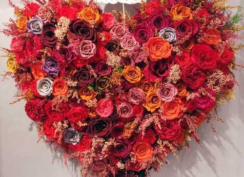 Ngay Valentine: Hoa hong 'tuoi mai mai' gan trieu dong mot bong hinh anh 3