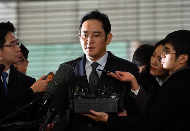 Chuoi ngay u am cua Samsung: Galaxy Note 7 no, 'Thai tu' bi bat hinh anh 3