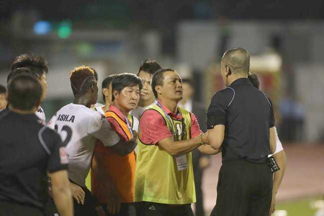 Truong ban trong tai Nguyen Van Mui: 'Toi van phan cong trong tai binh thuong' hinh anh 2