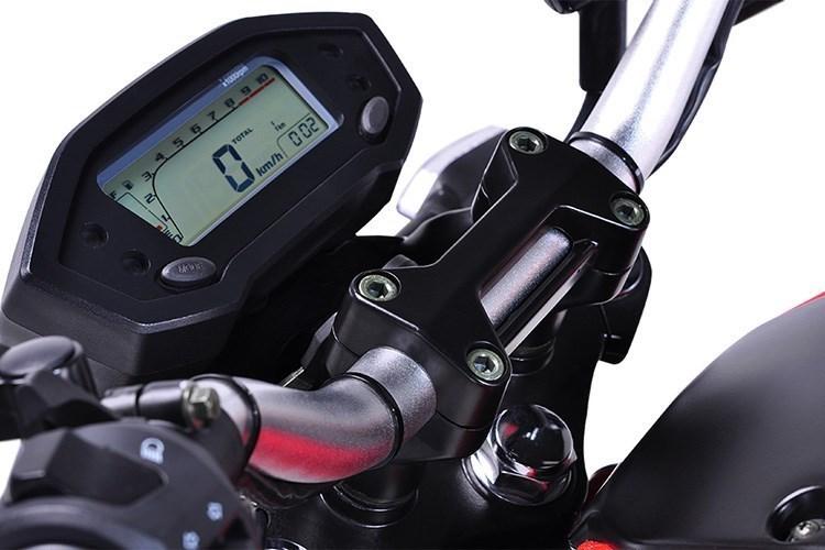 Dan choi Sai Gon 'khoc thet' voi Ducati Monster 110 rom gia 30 trieu dong hinh anh 3