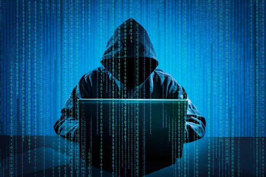 Hacker khong dung phan mem gian diep tan cong website san bay Viet Nam hinh anh 1