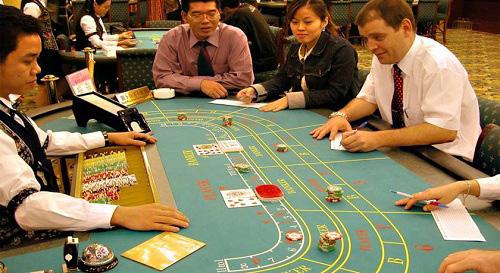 Chua thi diem cho nguoi Viet choi o casino hinh anh 1