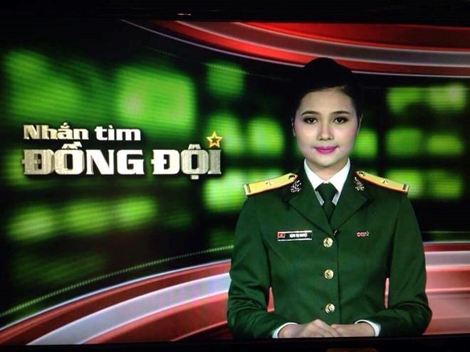 Phat thanh vien xinh dep hat 'Chieu Matxcova' bang 3 thu tieng hinh anh 1