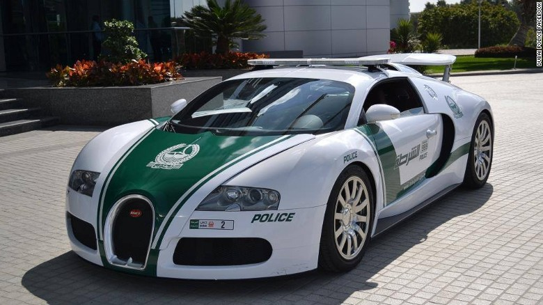Choang ngop voi dan sieu xe nhanh nhat the gioi cua canh sat Dubai hinh anh 2