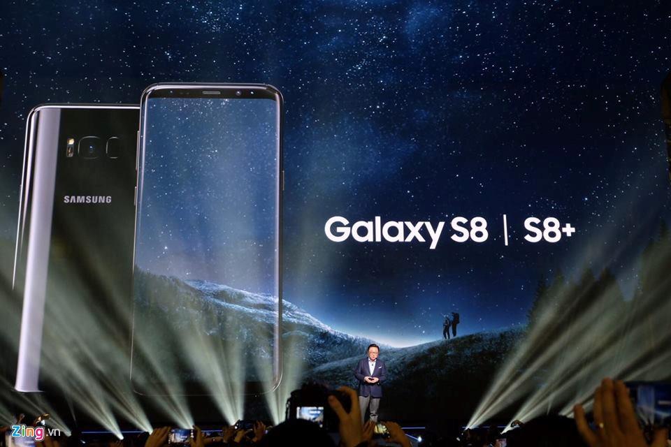 Samsung Galaxy S8 va S8+ ra mat voi man hinh vo cuc hinh anh 1