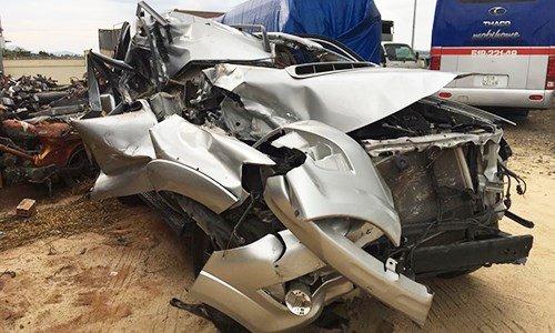 Toyota Fortuner nat bet tui khi van khong no tai Viet Nam hinh anh 1