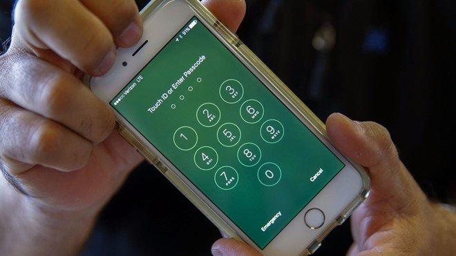 Khong ho tro iPhone sua chua, Apple bi kien hinh anh 1