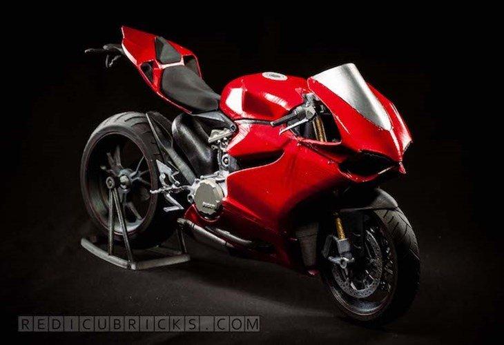 Giat minh 'sieu moto' Ducati 1199 Panigale gia 30 trieu dong hinh anh 1