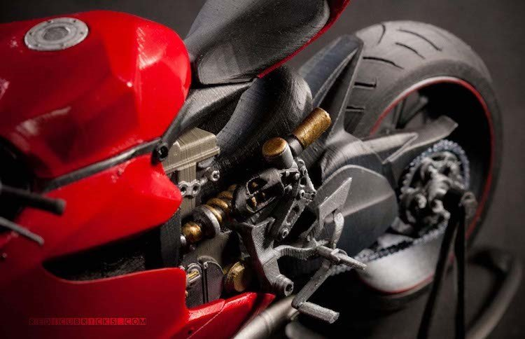 Giat minh 'sieu moto' Ducati 1199 Panigale gia 30 trieu dong hinh anh 5