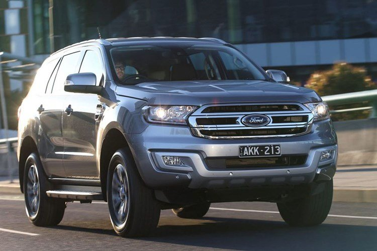 Ford Everest 2017 chot gia 921 trieu dong hinh anh 8