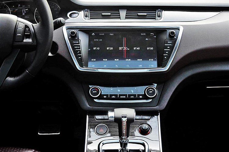 Gia re bat ngo chi 420 trieu dong, 'Range Rover Evoque' chay hang hinh anh 11