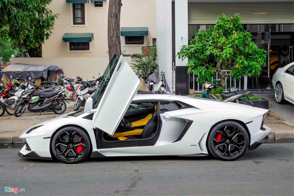 Lamborghini Aventador chinh hang duy nhat Viet Nam do ham ho hinh anh 2