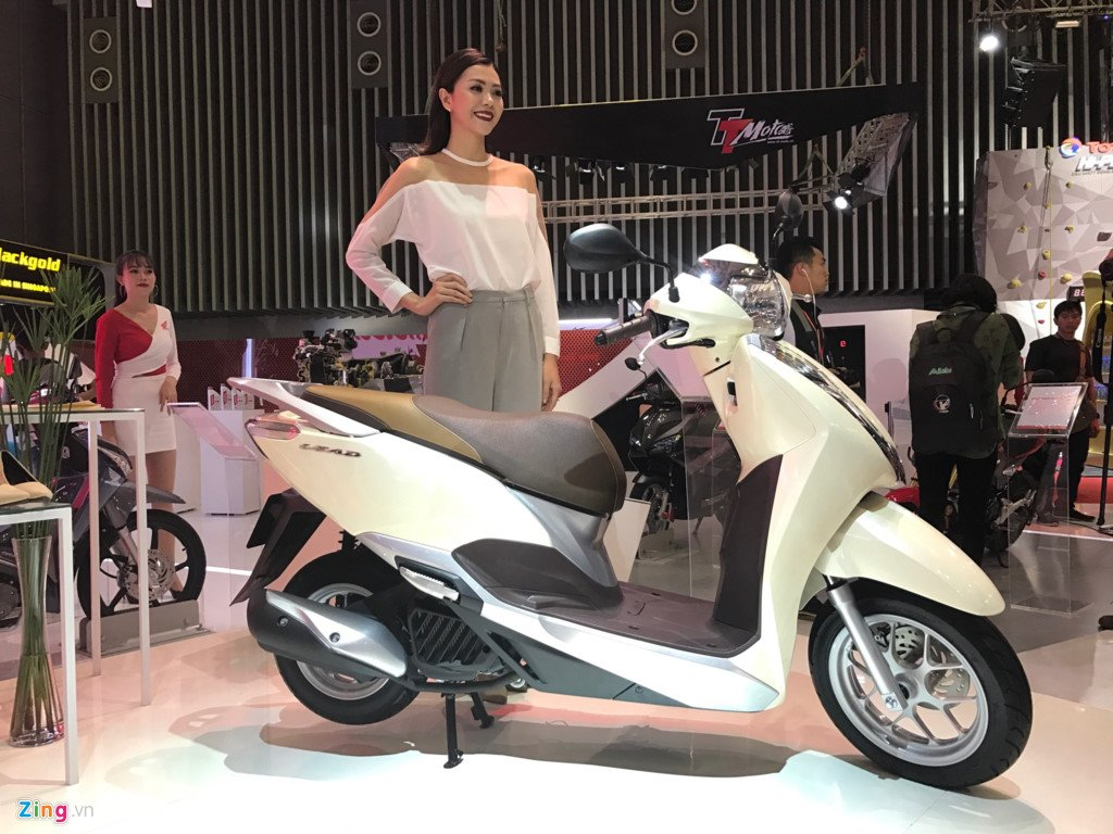 Can canh Honda Lead 2017 vua ra mat o Viet Nam hinh anh 1