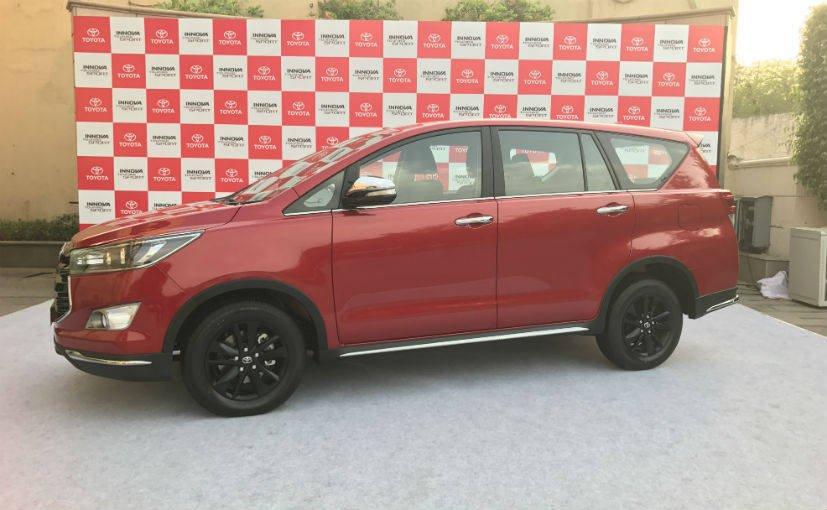 Toyota Innova Touring Sport 7 cho gia hap dan chi tu 630 trieu dong hinh anh 2