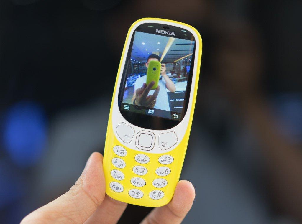Mo hop Nokia 3310 gia hon mot trieu dong o Viet Nam hinh anh 4