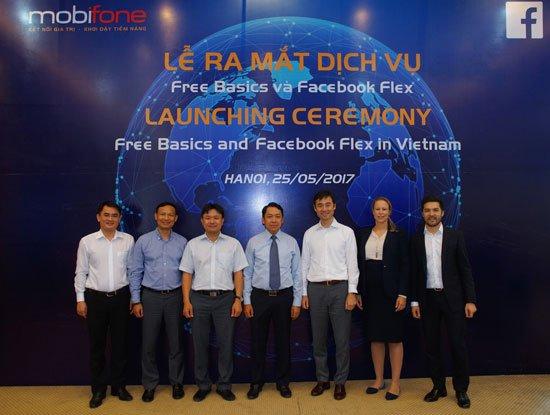 MobiFone bat tay Facebook: Thue bao het tien trong tai khoan van luot Facebook mien phi hinh anh 1