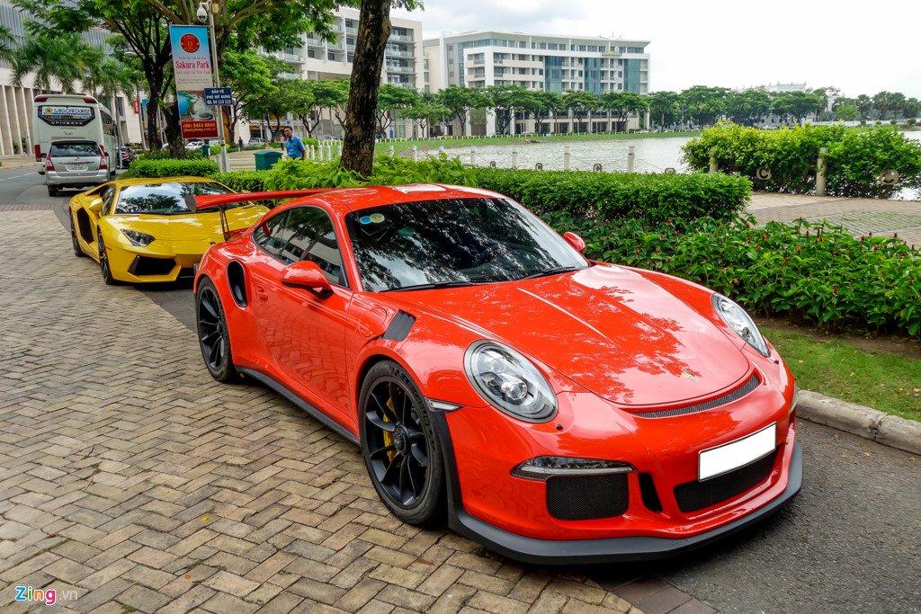 Cuong Do La tu tay rua Porsche 911 GT3 moi tau hinh anh 1