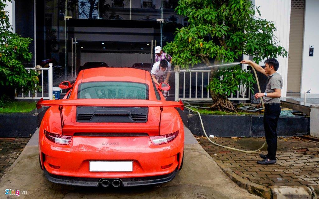 Cuong Do La tu tay rua Porsche 911 GT3 moi tau hinh anh 3