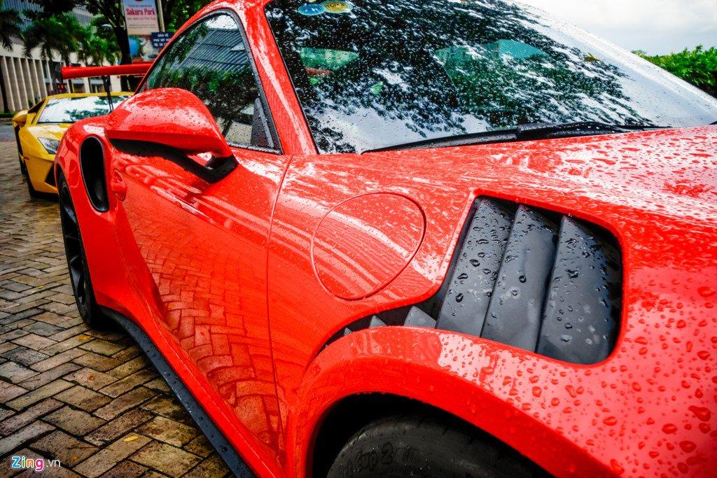 Cuong Do La tu tay rua Porsche 911 GT3 moi tau hinh anh 4