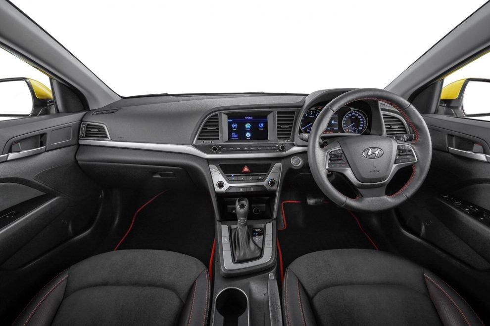 Hyundai Elantra moi 'do bo' gia tu 620 trieu dong hinh anh 9