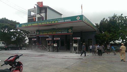 Cay xang o Thanh Hoa bat ngo phat no, 4 tru bom vo nat hinh anh 1