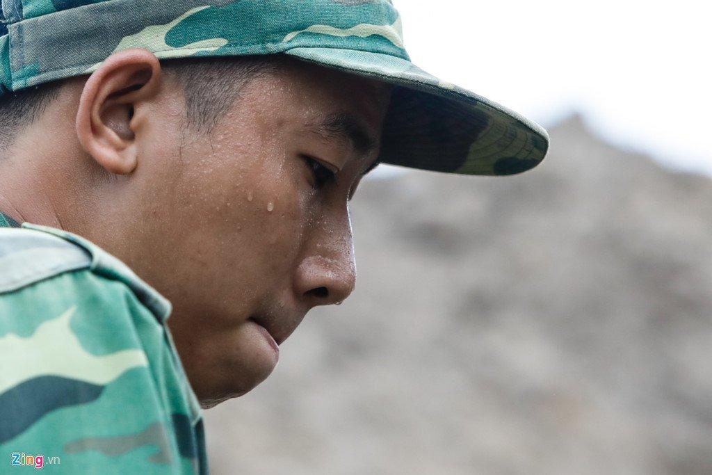 Anh: Tim thay nhieu di vat tai noi nghi mo tap the liẹt sĩ trong Tan Son Nhát hinh anh 10