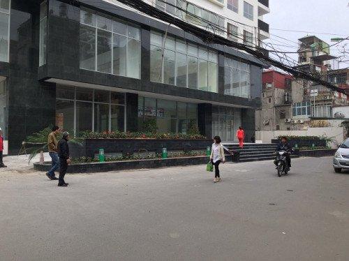 Cong an nghi thang may chung cu Capital Garden bi chinh cu dan pha hinh anh 1
