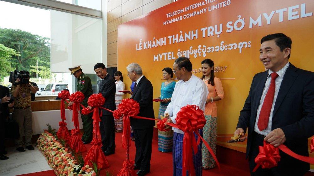 Tong Bi thu Nguyen Phu Trong: Tai Myanmar, Viettel tiep tuc la cau noi tinh huu nghi va hop tac giua hai nuoc hinh anh 1