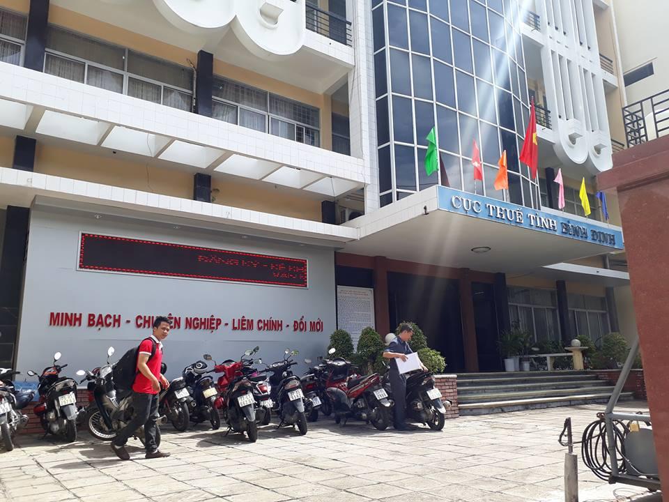 Tam giu Truong phong Thanh tra Cuc thue Binh Dinh nhan tien doanh nghiep hinh anh 1