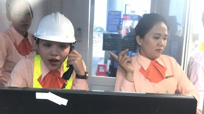 Tai xe tung 'chieu' moi phản dói thu phí khi qua tram BOT Cai Lay hinh anh 3