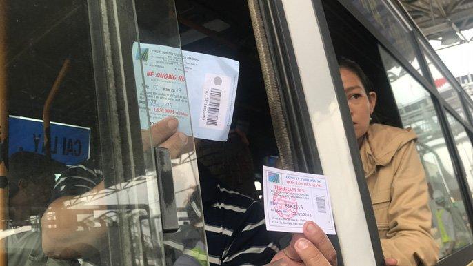 Tai xe tung 'chieu' moi phản dói thu phí khi qua tram BOT Cai Lay hinh anh 4