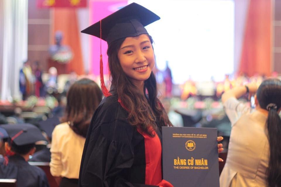 A khoi DH Kinh te TP.HCM lot top 45 Hoa hau Hoan vu hinh anh 5