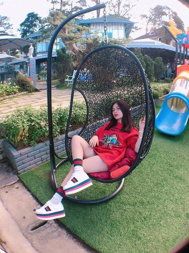 Hot girl Viet phoi do Giang sinh cuc xinh tu nhung phu kien don gian hinh anh 2