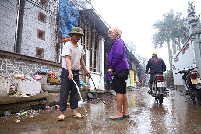Vu no kho phe lieu o Bac Ninh: Thu 6,7 tan dau dan, kim loai hinh anh 2