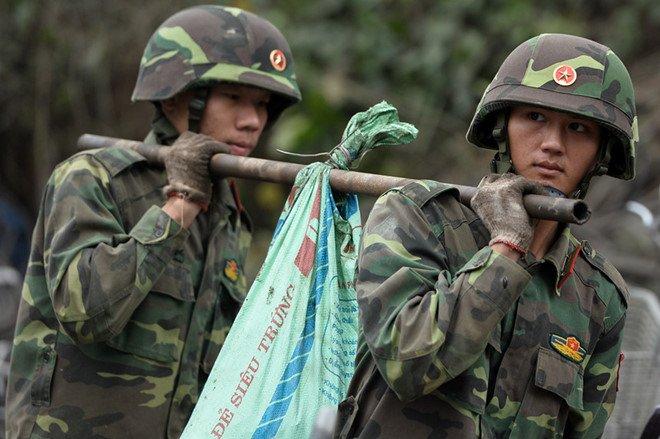Vu no kho phe lieu o Bac Ninh: Thu 6,7 tan dau dan, kim loai hinh anh 1