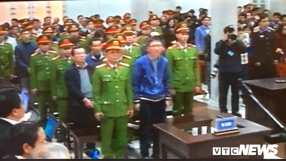 Ong Dinh La Thang, Trinh Xuan Thanh binh tinh tra loi truoc toa hinh anh 5