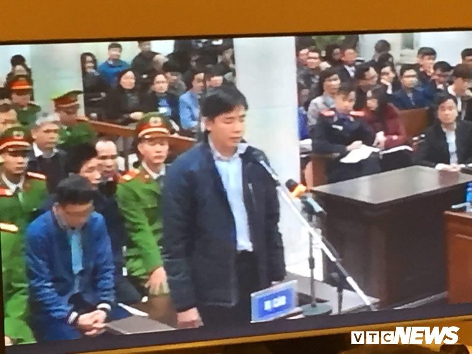 Ong Dinh La Thang, Trinh Xuan Thanh binh tinh tra loi truoc toa hinh anh 14
