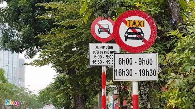 Ha Noi cám Uber, Grab tren nhièu tuyén phó: 'Muon ve nha chac phai xe logo' hinh anh 3