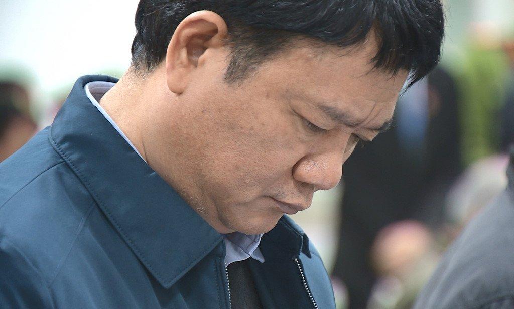 Anh: Nhung khoanh khac trong 10 ngay xet xu ong Dinh La Thang va dong pham hinh anh 10