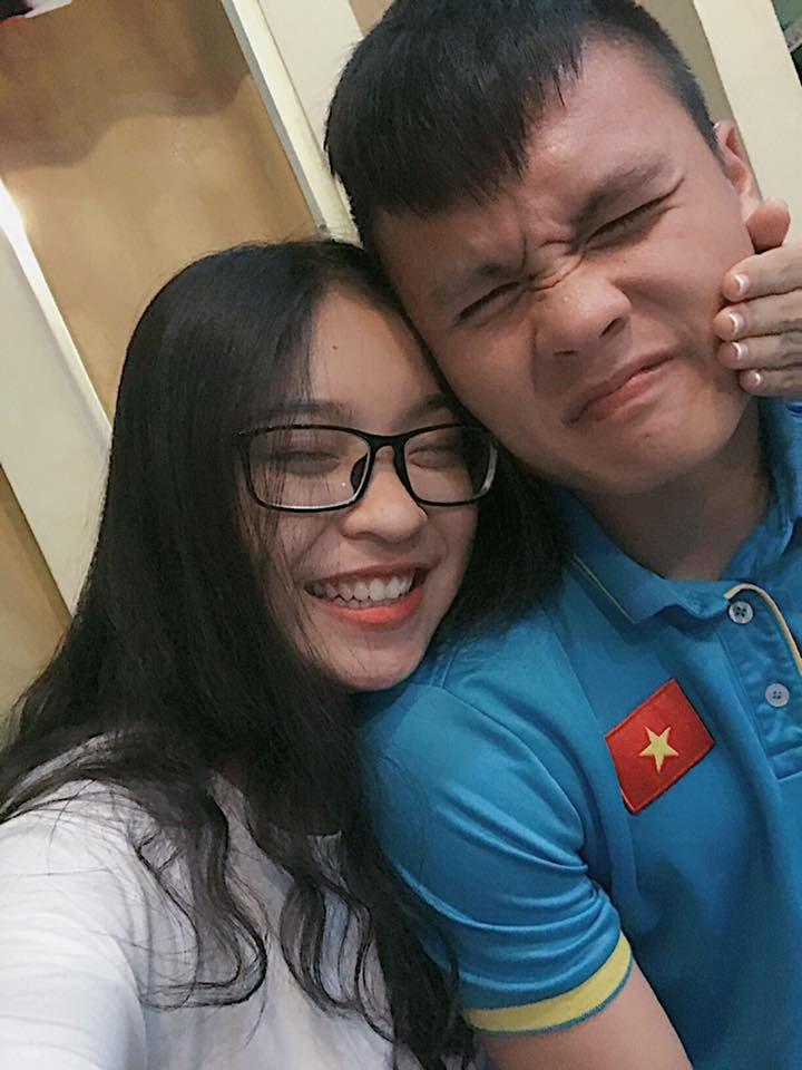 Ban gai Quang Hai tung anh ngot ngao khien bao thieu nu phai ghen ty hinh anh 4
